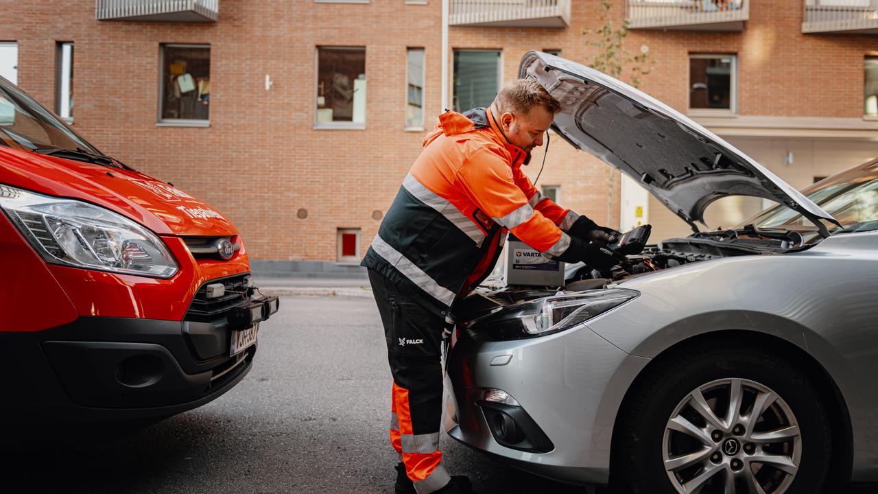 Finland_Roadside assistance09 - Web_16_9 - Web_16_9