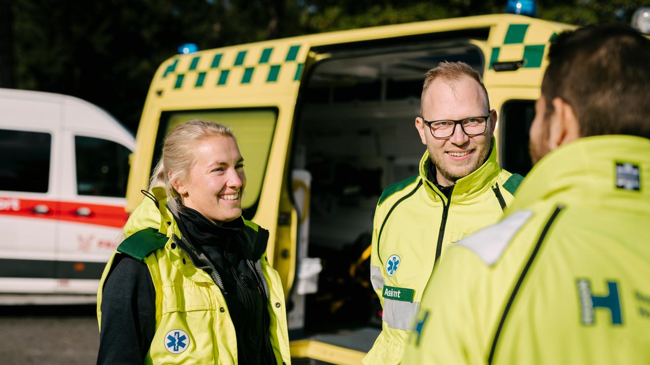 Ambulance Winning Behaviours Shoot 14 - Web_16_9 - Web_16_9