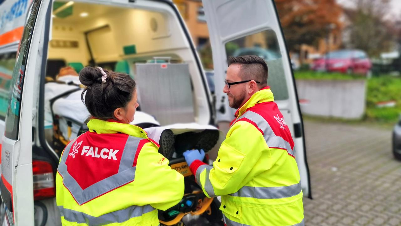 Rettungssanitäter bei der Arbeit